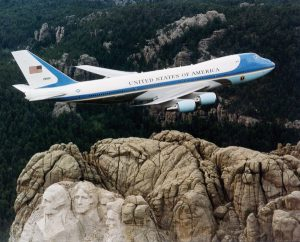 Air_Force_One_over_Mt._Rushmore-small
