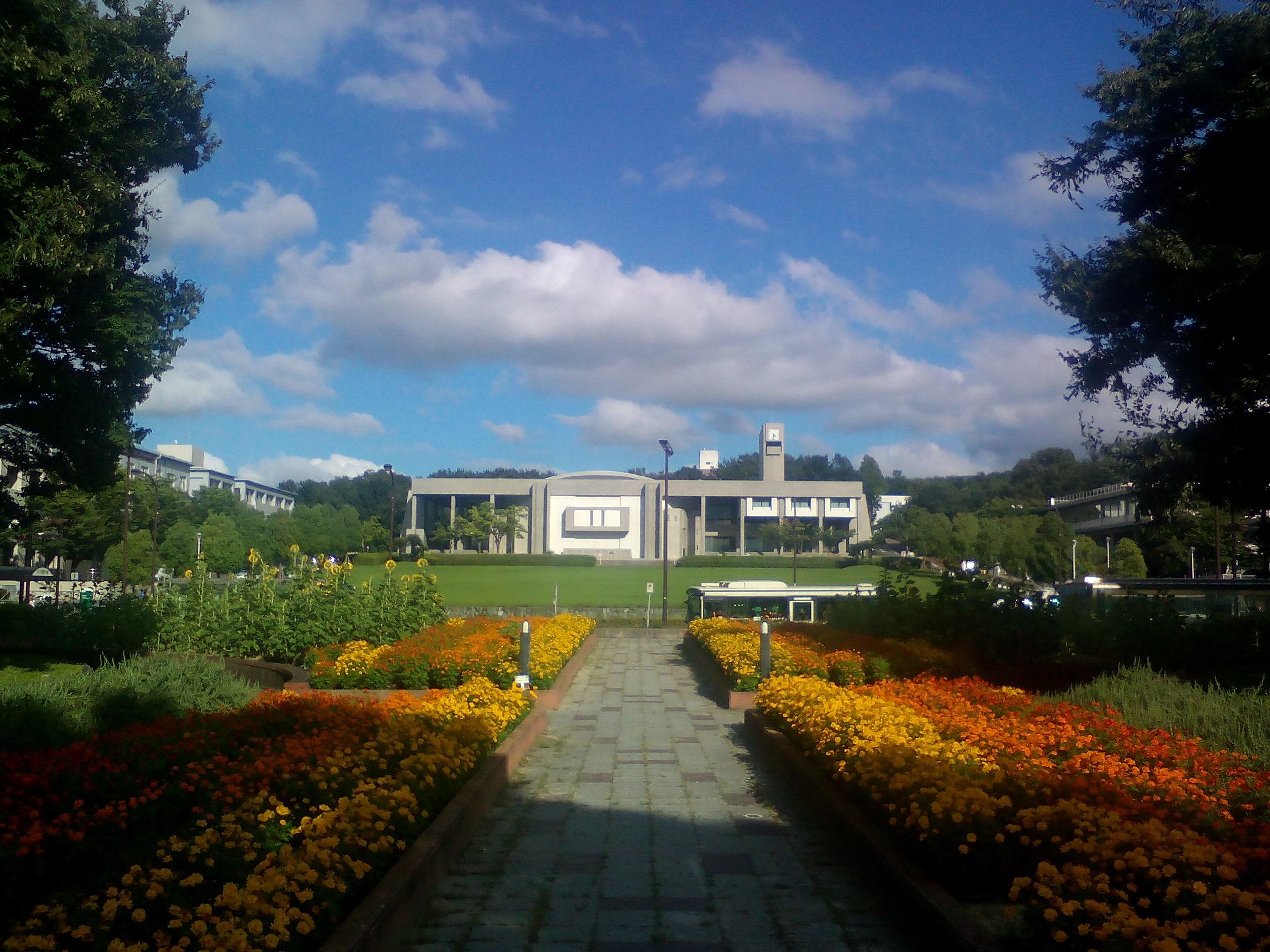 名古屋大学_図書館前からの眺め (1)